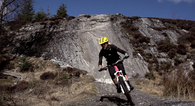 Hannah Barnes hits the slab at Laggan Wolftrax.
