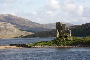 The ruins of Ardvreck Castle on Loch Assynt