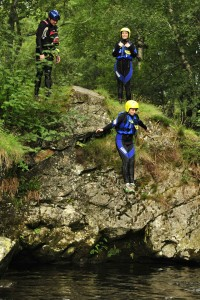Gorge Walking leaping 960x1440