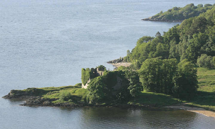As part of the Clan Lachlan Gathering & Strathlachlan Festival, there will be walking tours to Old Castle Lachlan