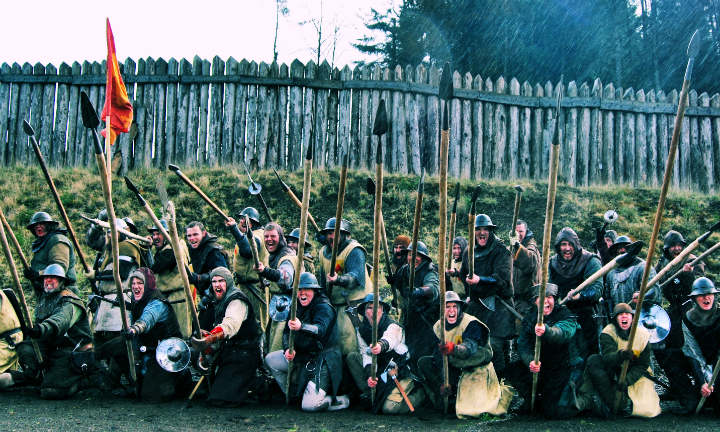Witness the mighty Clanranald in an epic battle performance at Bannockburn Live