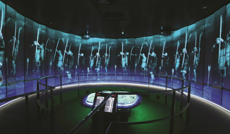 Head to the Battle of Bannockburn visitor centre and take control of troops in the Battle Game