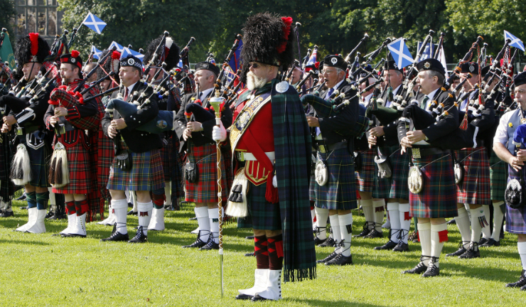 Hundreds of pipers and drummers will march in a grand procession during Pipefest