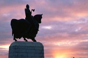 Robert the Bruce statue at the Battle of Bannockburn Visitor Centre