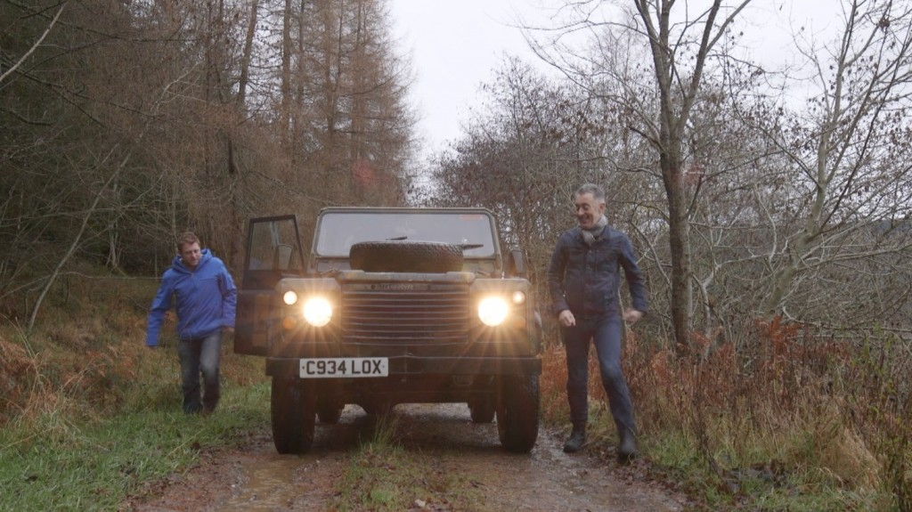 Alan Cumming gies off road in Perthshire | Photo by NBC