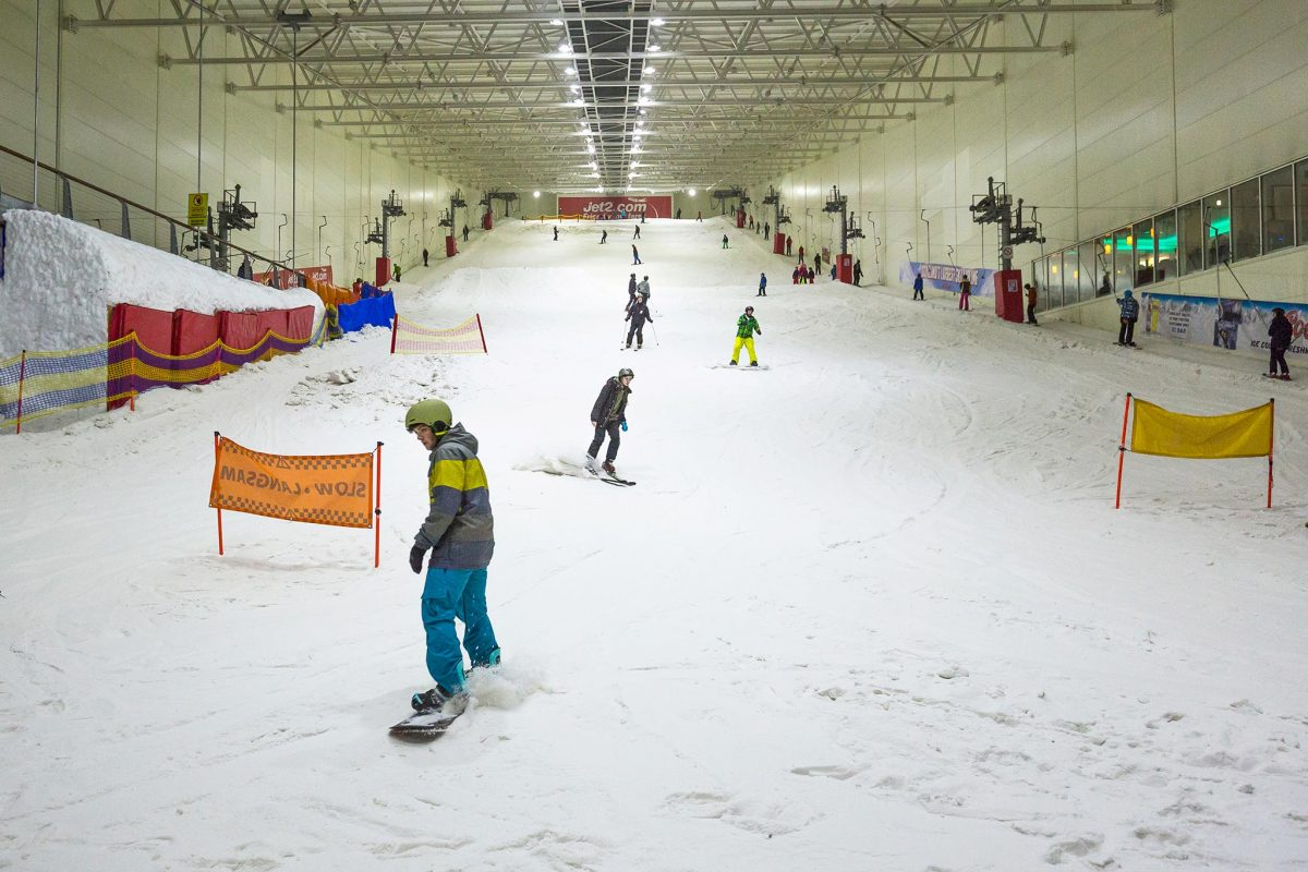 Skiing and Snowboarding at Snow Factor in Renfrew. Scotland's only indoor slope.