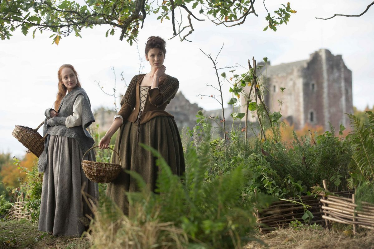 Doune Castle in Outlander, with Geillis Duncan (Lotte Verbeek) and Claire (Caitriona Balfe) © Sony Pictures Television