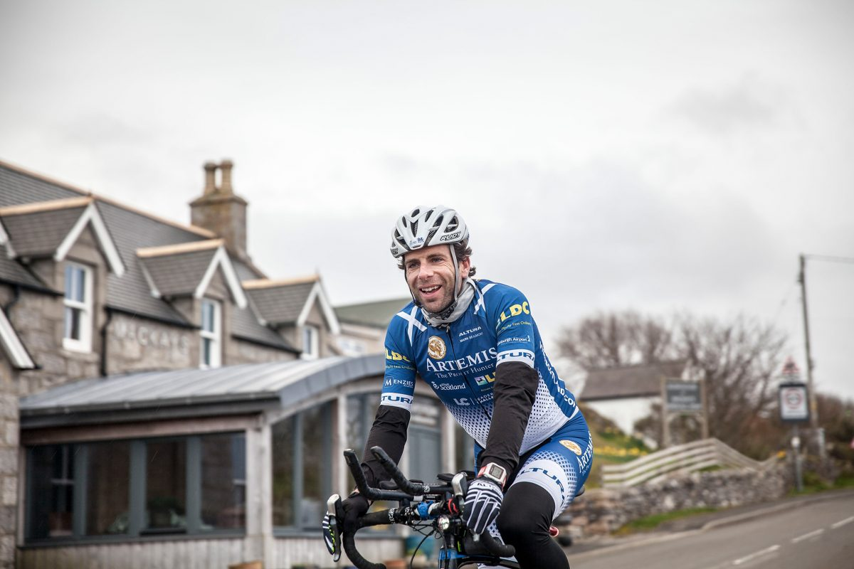Mark Beaumont on his cycling tour of Britain © Mark Beaumont/Muckle Media