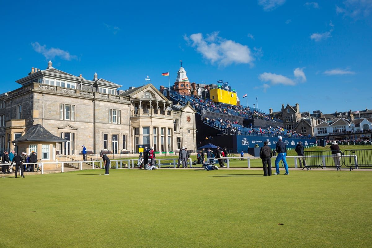 Clubhouse and 18th hole Old Course St Andrews