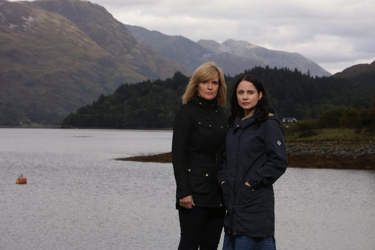 LAURA FRASER as Annie Redford and SIOBHAN FINNERAN as DCI Lauren Quigley in THE LOCH
