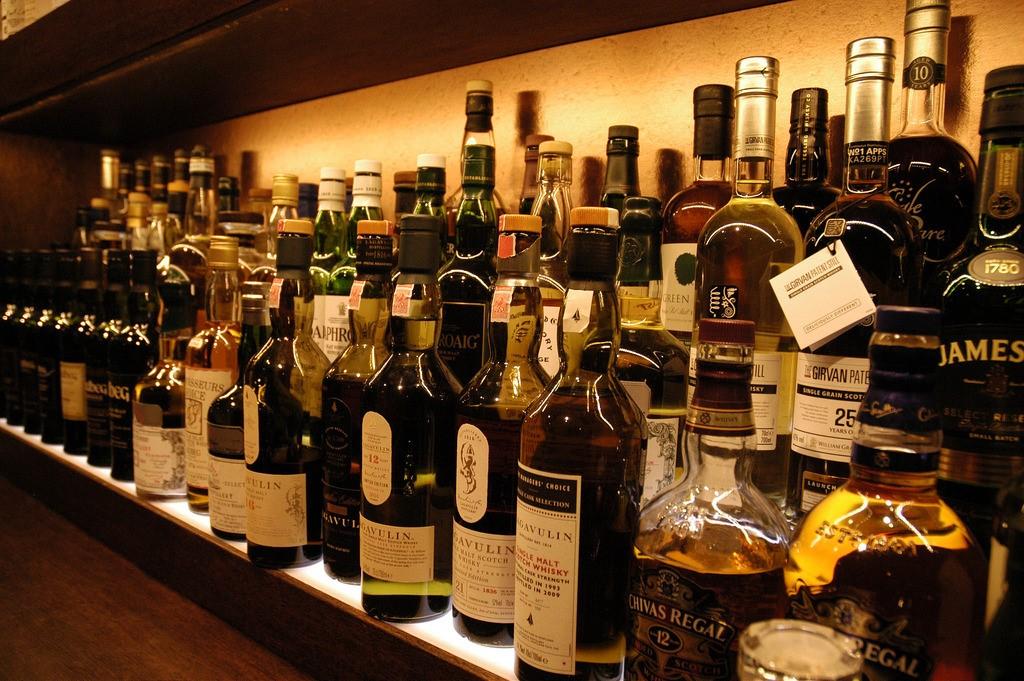 Usquabae-Whisky-Bar