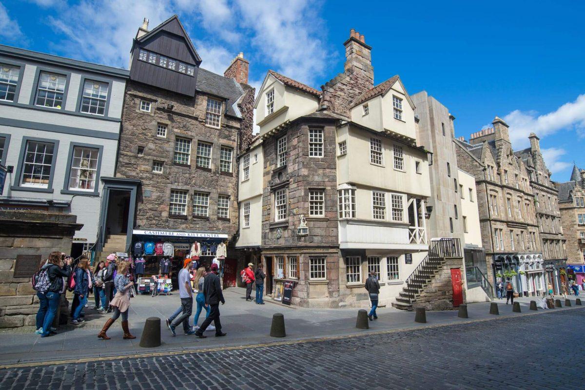 Explore the edinburgh of sherlock holmes visitscotland for Classic house edinburgh