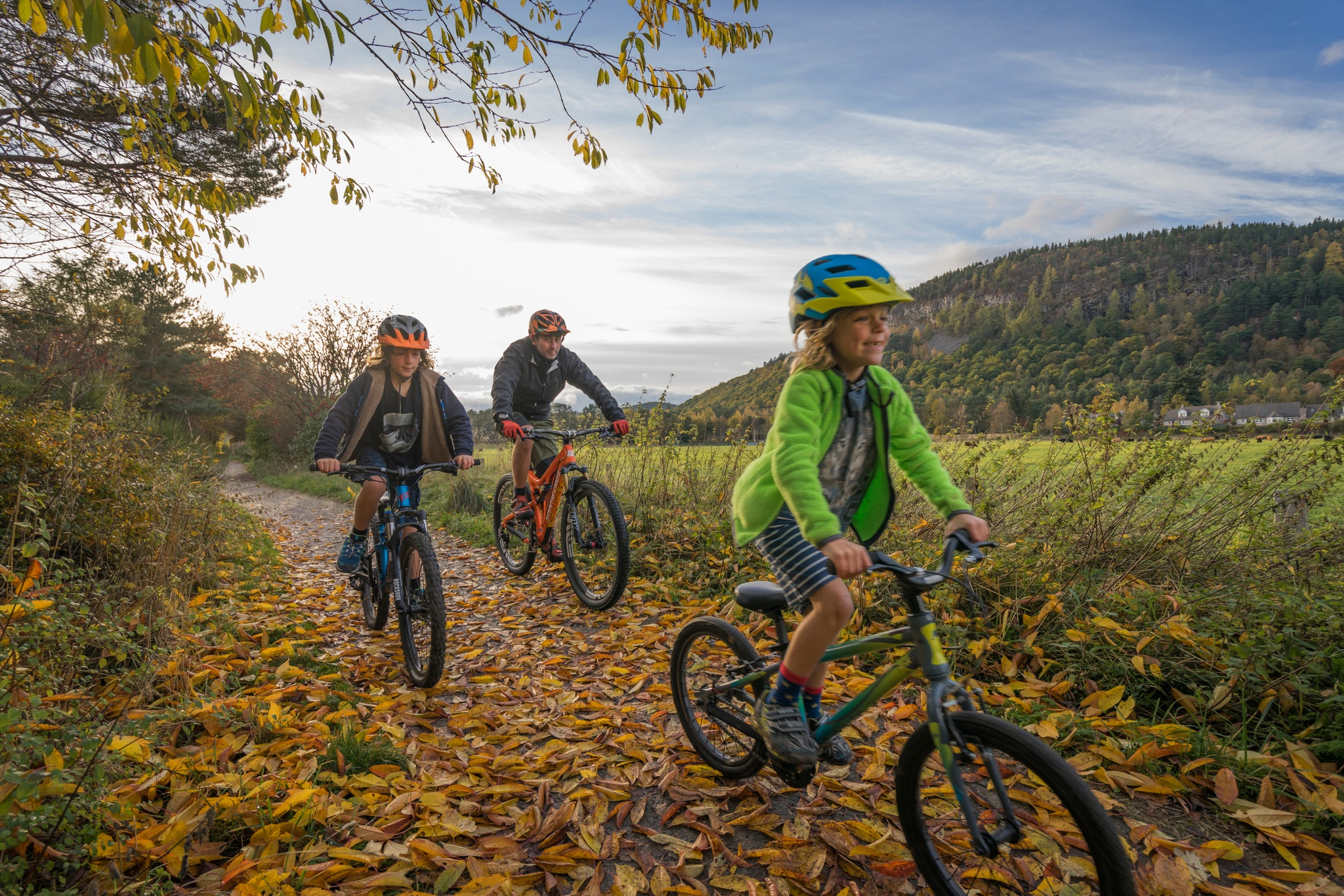 Cyclists on the Deeside Country Path