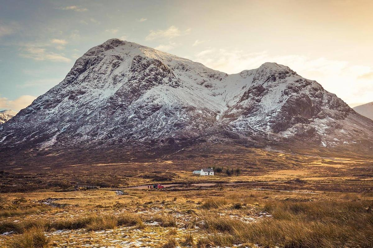 Lagangarbh Hut, Glen Coe. Situated north of Buachaille Etive Mor near the River Coupall