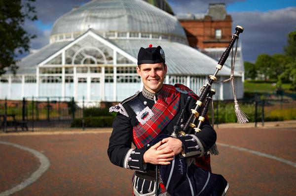 Dougie the Piper, Glasgow Green