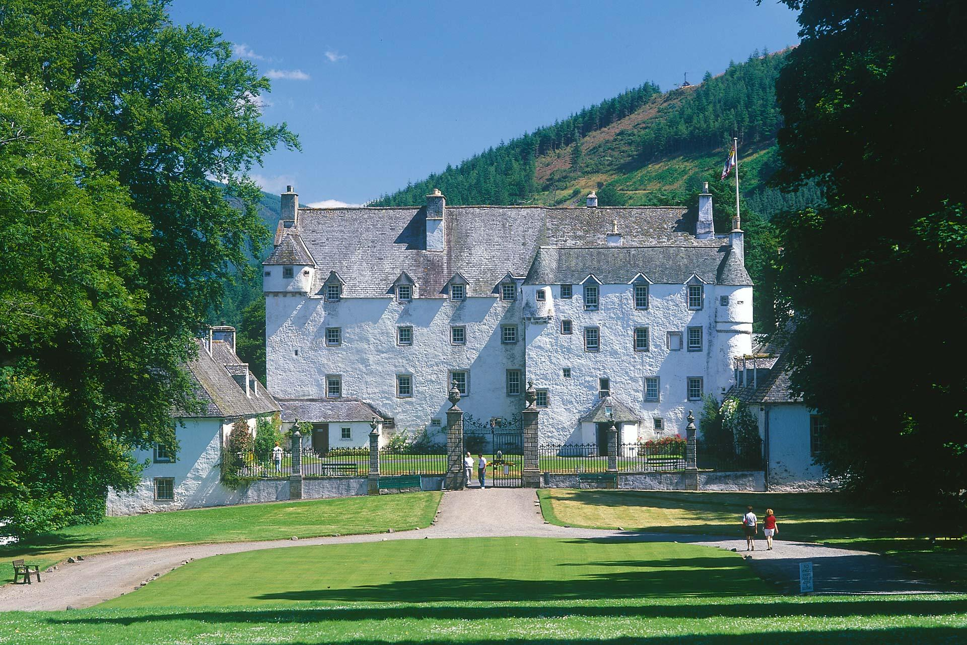 Groovy Stay In A Castle In Scotland Visitscotland Visitscotland Download Free Architecture Designs Estepponolmadebymaigaardcom