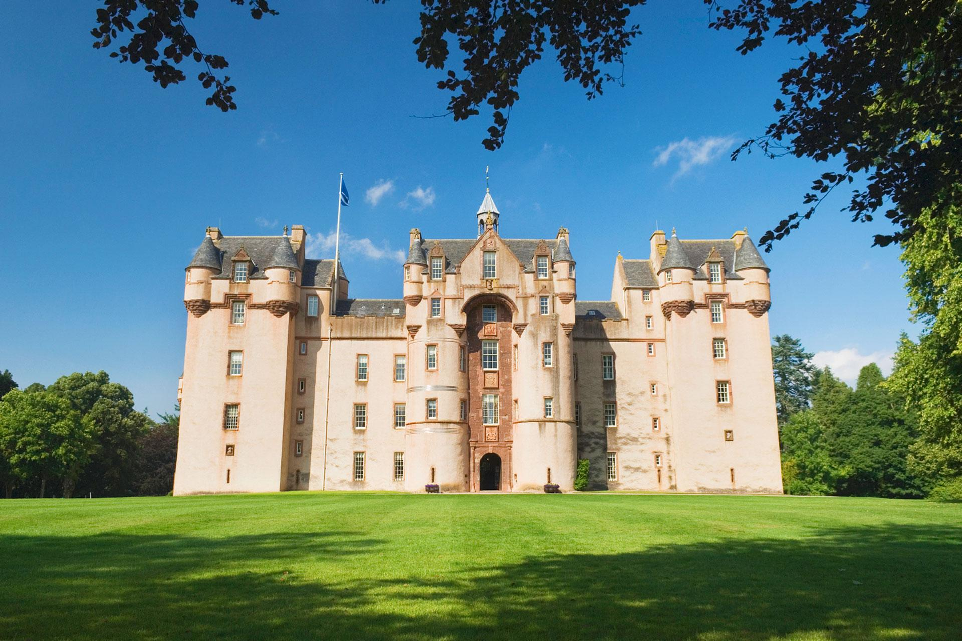 Holiday apartments & flats in Scotland