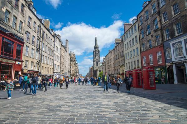 Looking down the Royal Mile on a sunny day in Edinburgh