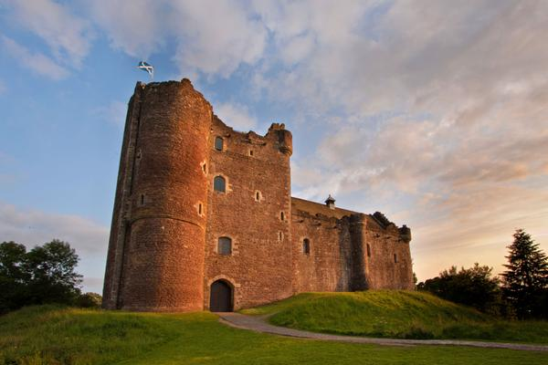 The exterior of Doune Castle © Heartland Arts / Fotolia