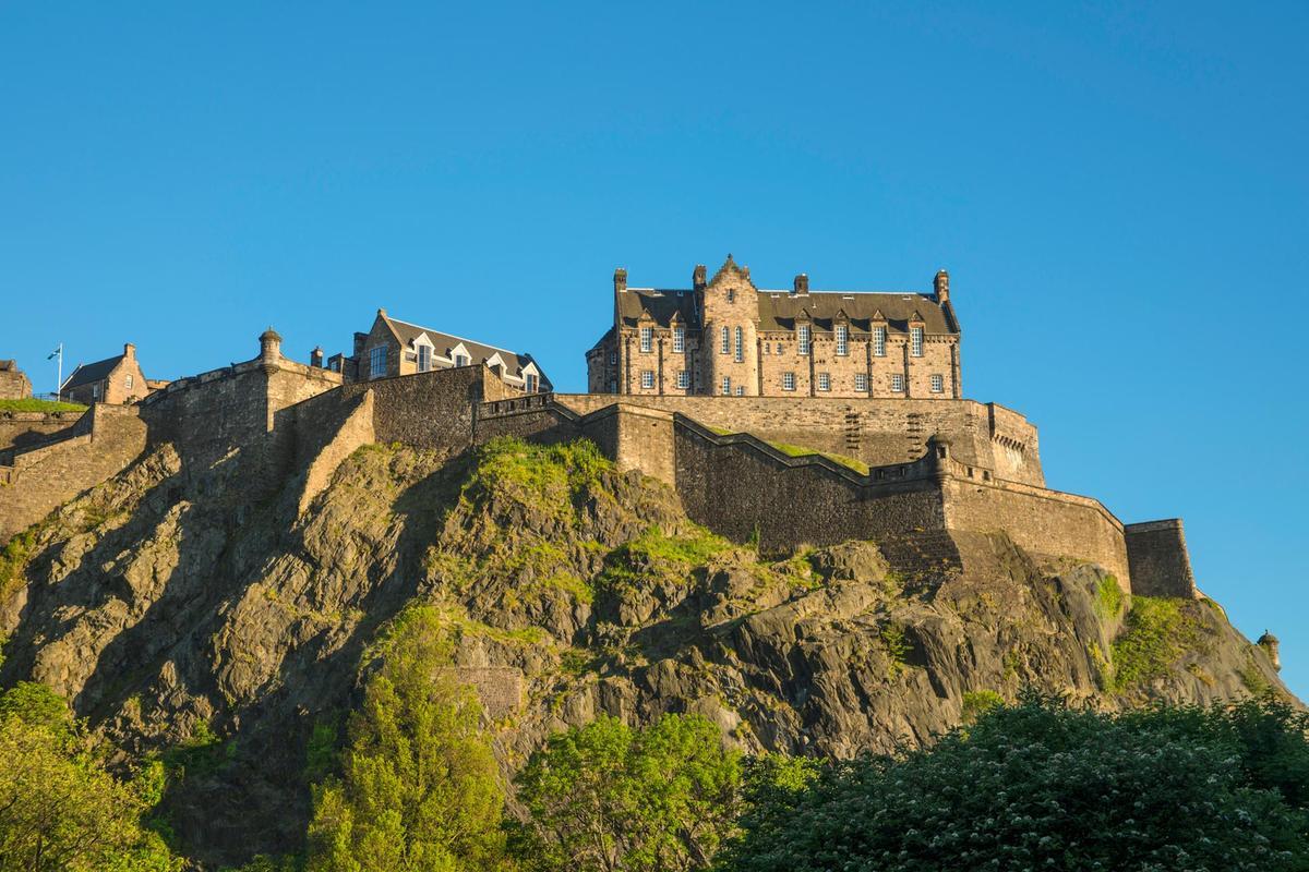 Edinburgh castle scotland pictures