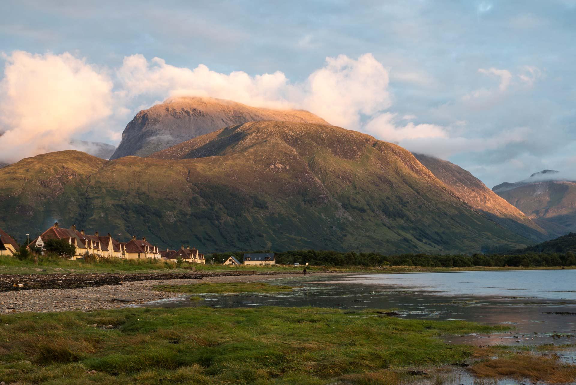 Let´s Travel To Grampian Mountains - Scotland Walking Routes