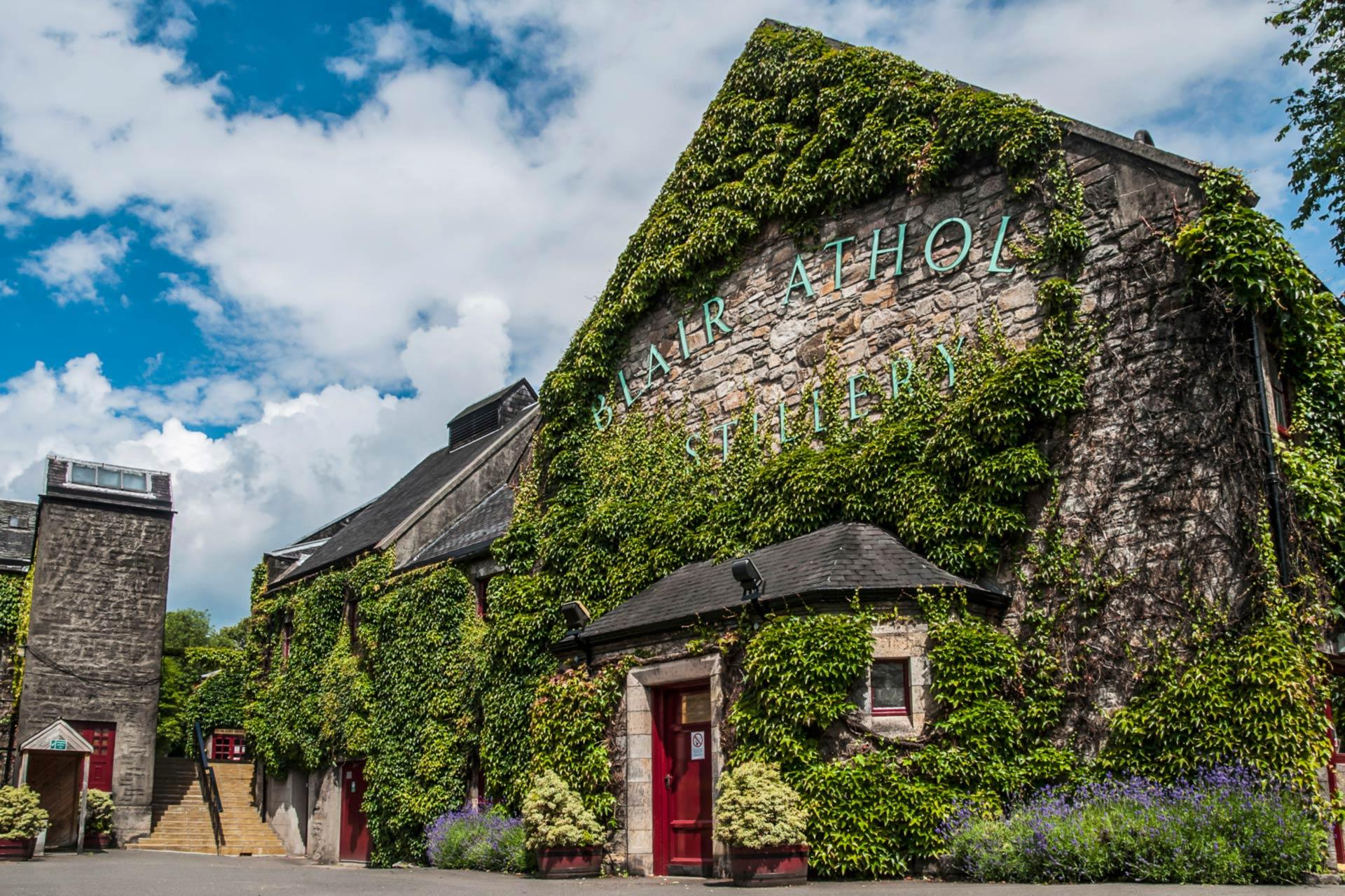 Whisky Distilleries in Scotland - Tours Tastings