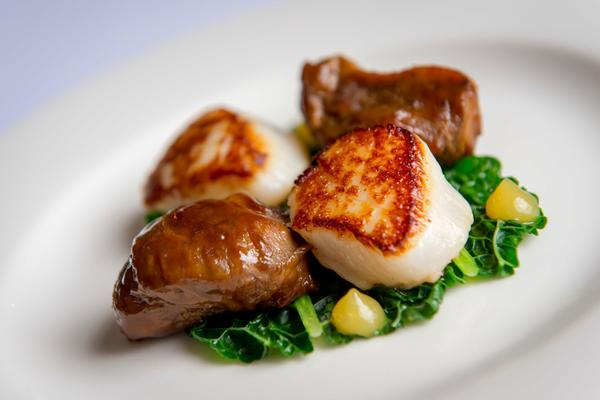 Braised Pork Cheek with Hand-dived Scallops, Tay Street Perth © FraserBand