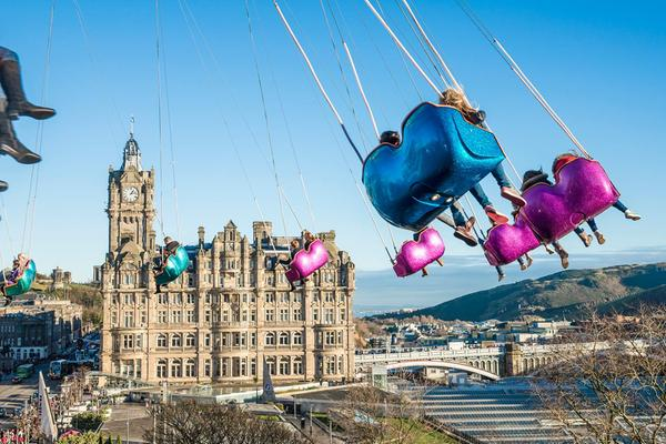 Divertimento assicurato sullo Star Flyer di Princes Street a Edimburgo