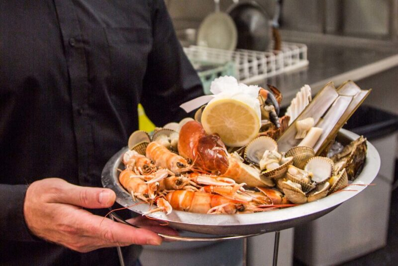 Langoustine Clam Razor Clam Oysters And Crab  Served With Half A Lemon And On A Bed Of Ice  Loch Fyne Restaurant Oyster Bar