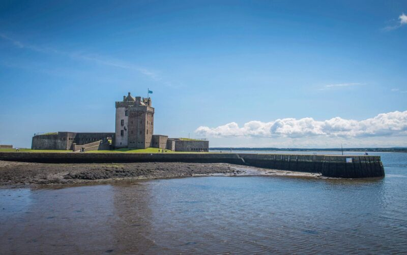 Broughty Ferry Castle sea