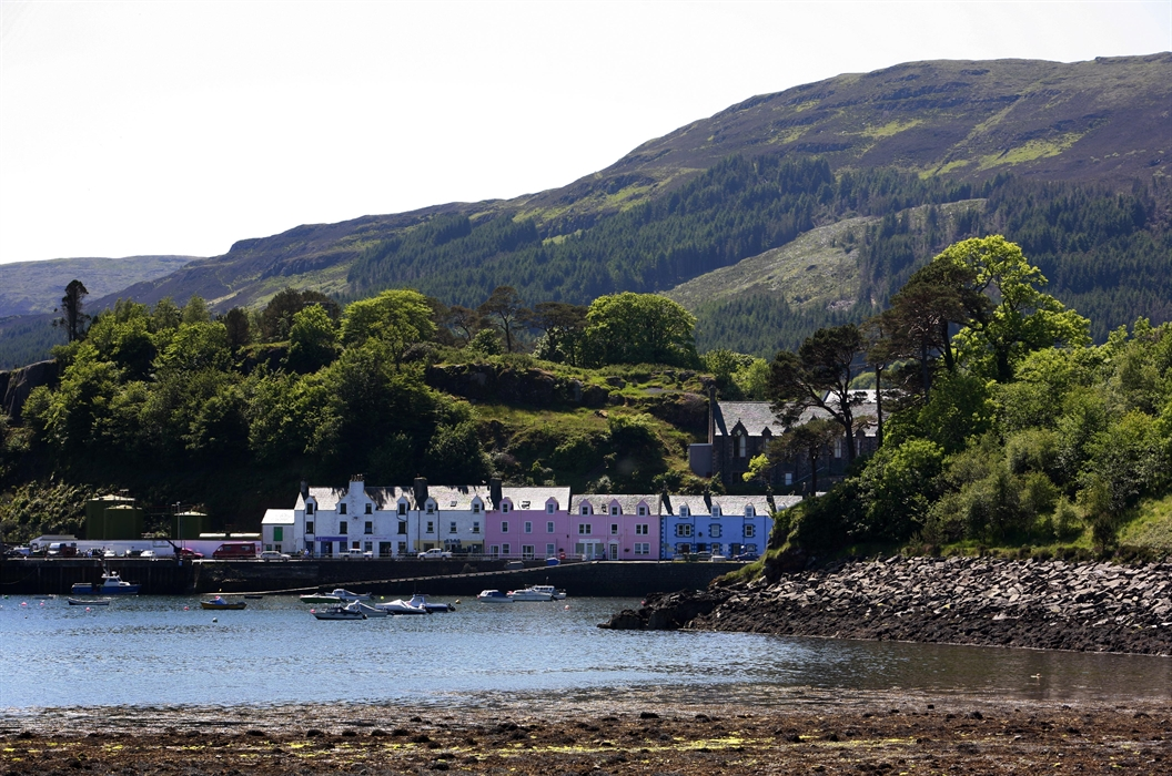 Things To Do In Skye >> Portree Visitor Guide - Accommodation, Things To Do & More ...