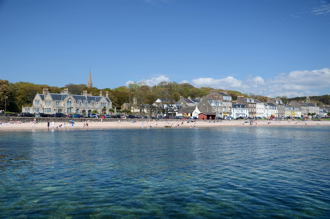 Things To Do In Skye >> Newton Beach, Millport Visitor Guide - Accommodation, Things To Do & More | VisitScotland