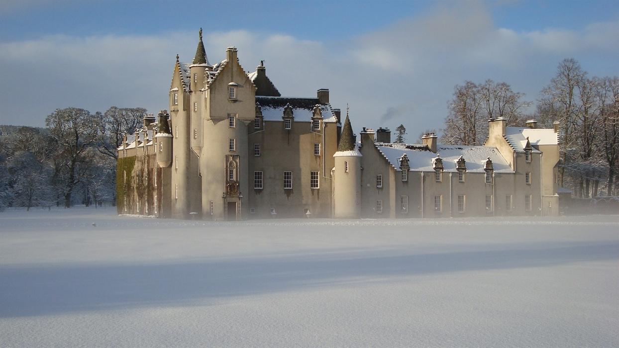 Ballindalloch Castle Visitscotland