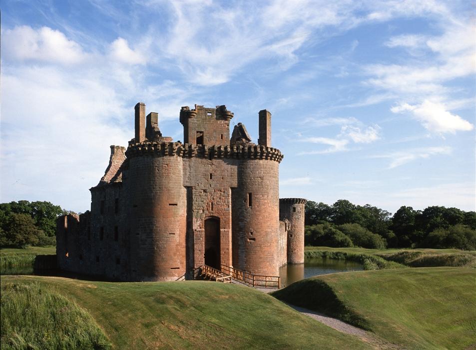 Caerlaverock Castle Dumfries Castles Visitscotland