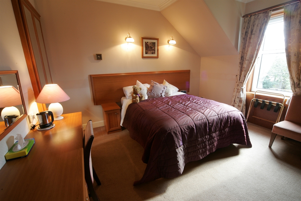 singles in coila Single occupancy £60 to £75 double or twin £70 to £95 per room a non- refundable deposit is required to make the reservation prices include full  scottish.