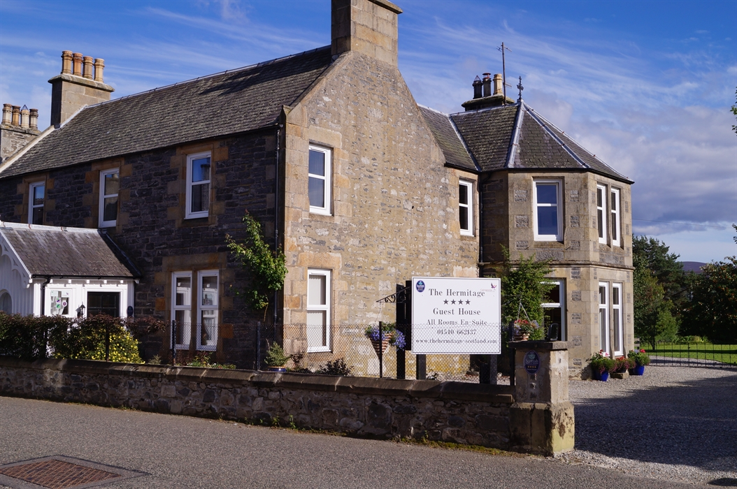 The hermitage guest house visitscotland for Hermitage house