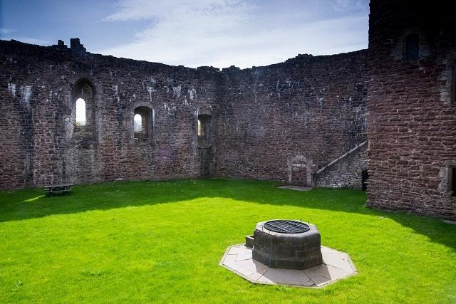 American Express Card >> Doune Castle, Doune – Castles   VisitScotland