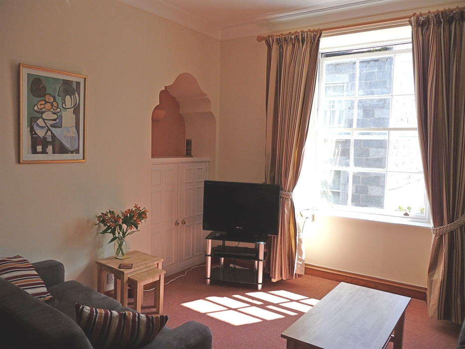 48 skene terrace aberdeen self catering visitscotland for 48 skene terrace aberdeen