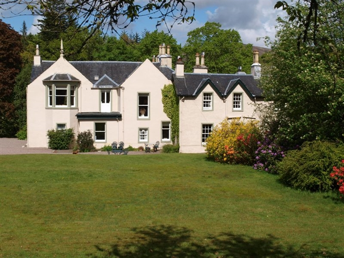 Front Elevation Of Bed : Spean lodge country house self catering bridge