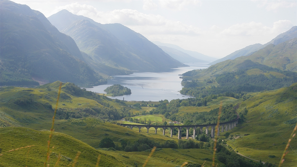 Harry Potter Fort William to Mallaig Train Guide ... |Glenfinnan Scotland