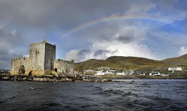kisimul castle  castlebay  isle of barra  u2013 castles