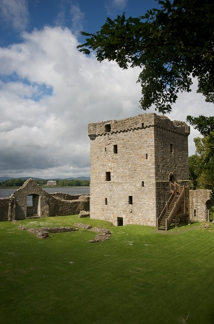 lochleven castle  by kinross  u2013 castles