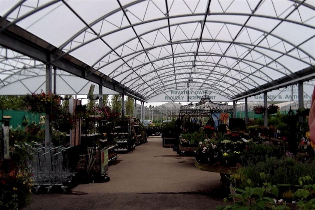 Garden Centre: Garrion Bridges Garden Centre, Wishaw