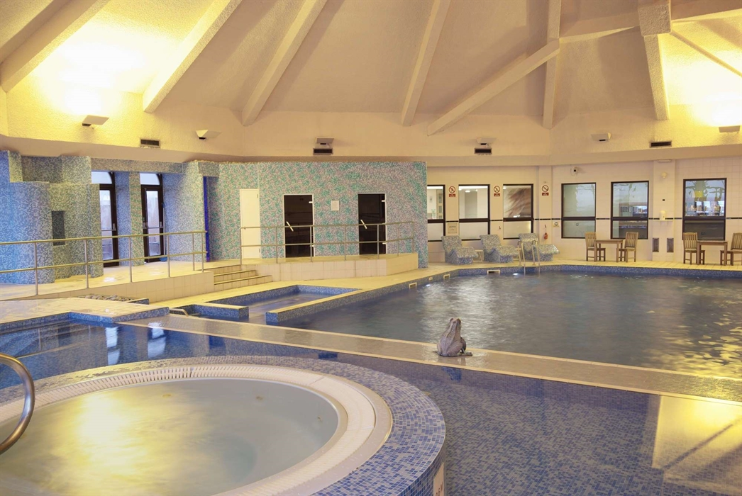 Double tree by hilton cumbernauld hotel visitscotland - Hotels with swimming pools in scotland ...
