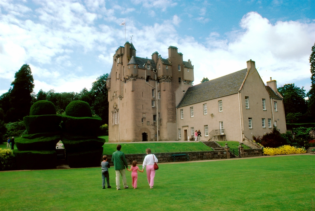 Crathes Castle Garden Amp Estate Visitscotland