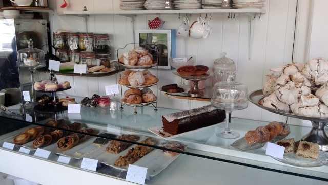 Cakes and coffee from MHOR84