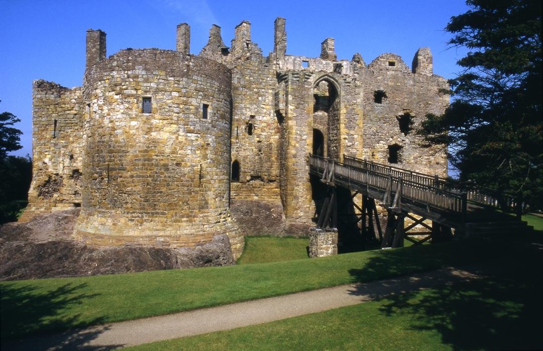 Credit Card 2019 >> Dirleton Castle, North Berwick – Castles   VisitScotland