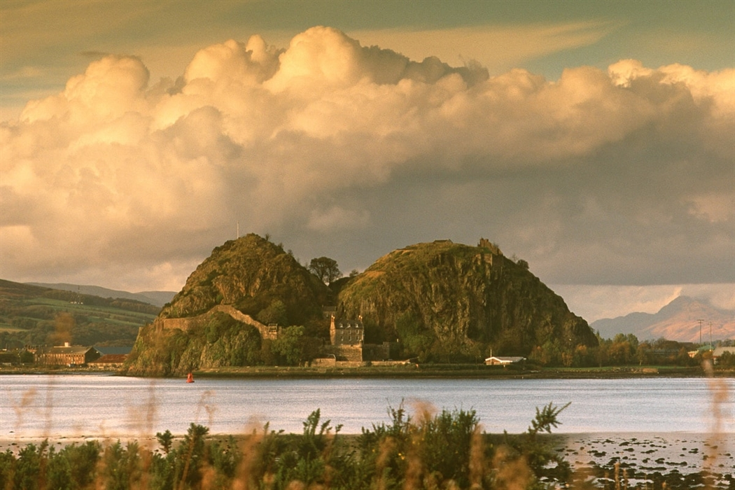 Dumbarton Visitor Guide Accommodation Things To Do